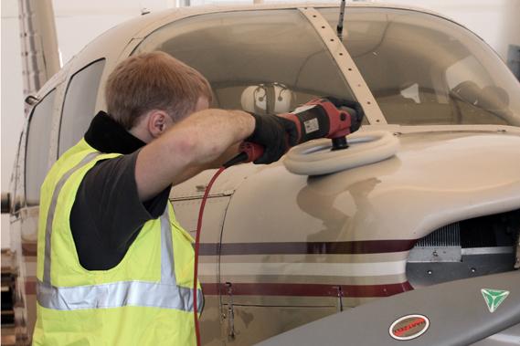 Lennuki pinna poleerimine