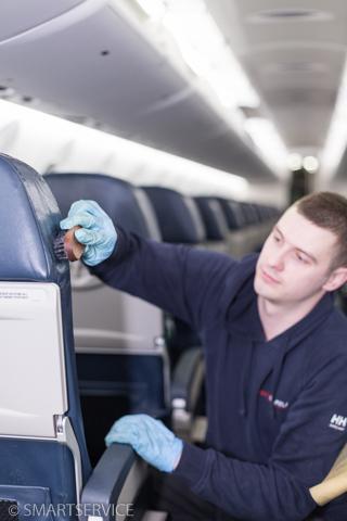 Lennuki nahkistmete puhastus